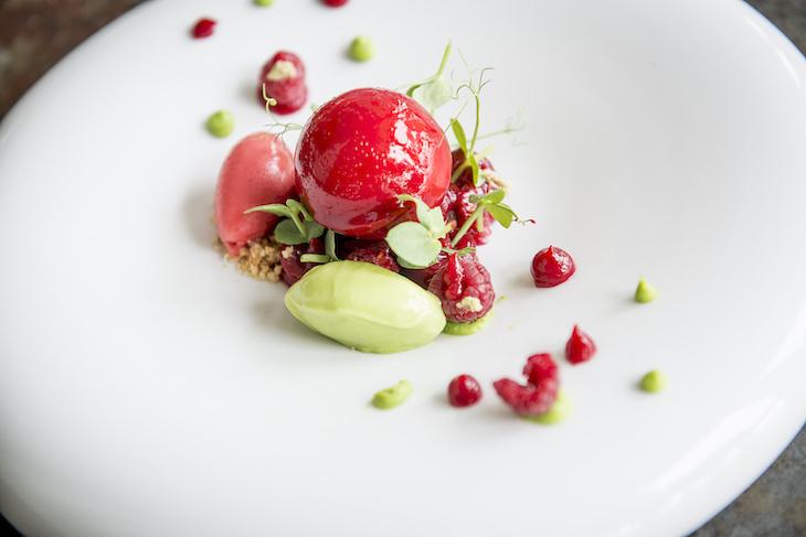 Ervilha, wasabi e framboesa - Restaurante Eleven©