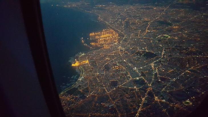 Mesquita vista do avião à noite - Casablanca - Marrocos © Viaje Comigo