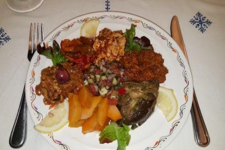 Salada - Restaurante marroquino - Hôtel Les Mérinides - Fez - Marrocos © Viaje Comigo