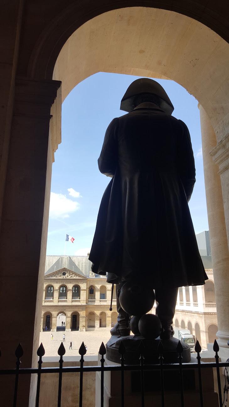 Estátua de Napoleão no Hôtel National des Invalides, Paris © Viaje Comigo