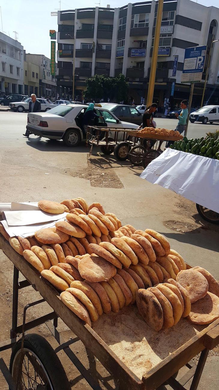 Venda de pão, Rabat, Marrocos © Viaje Comigo