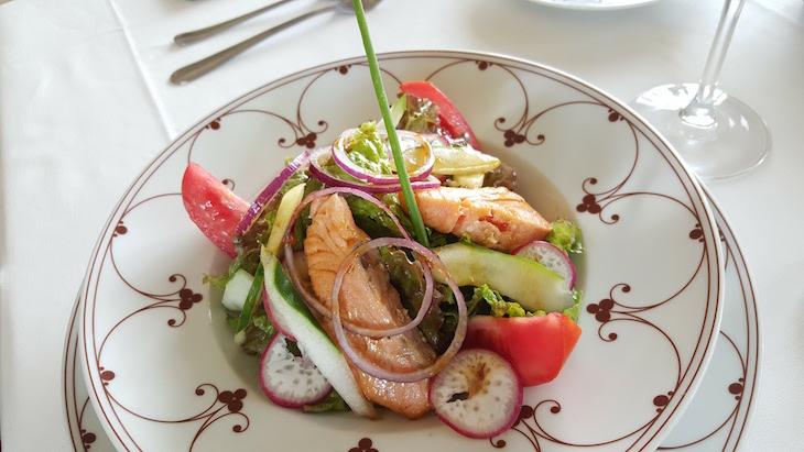 Salada no restaurante Delagoa - Polana Serena Hotel - Maputo © Viaje Comigo