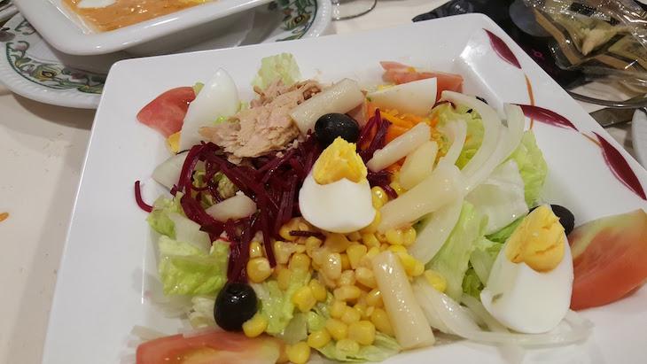 Salada do Restaurante Casa Pedro - Puente Genil © Viaje Comigo