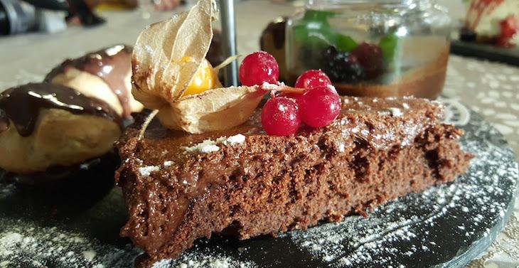 Bolo de chocolate - Restaurante Villazur © Viaje Comigo