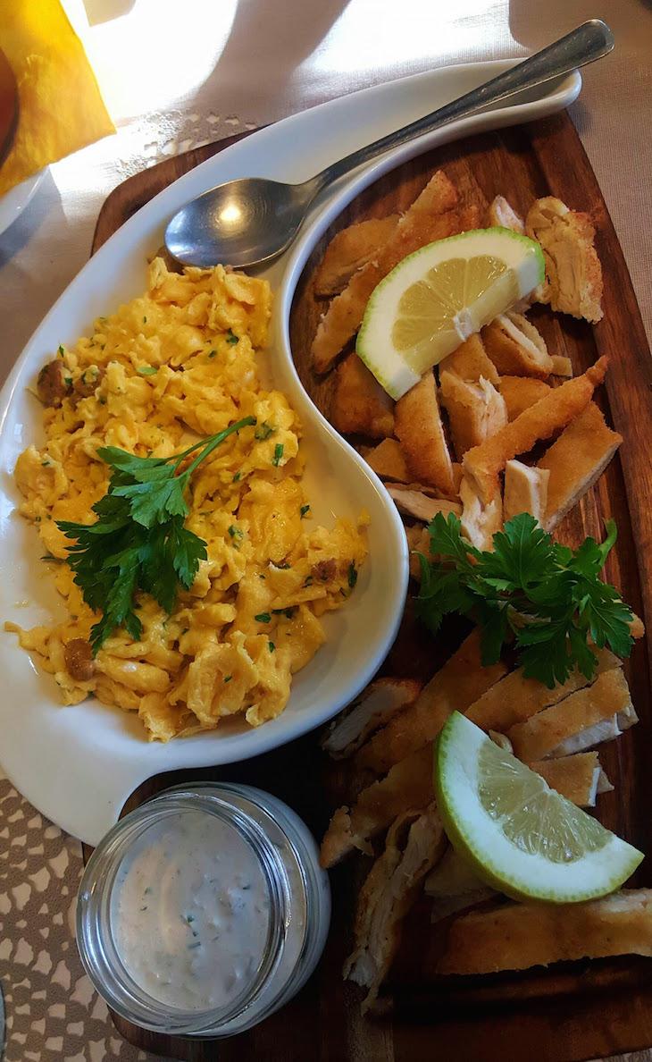 Ovos e panados - Restaurante Villazur © Viaje Comigo