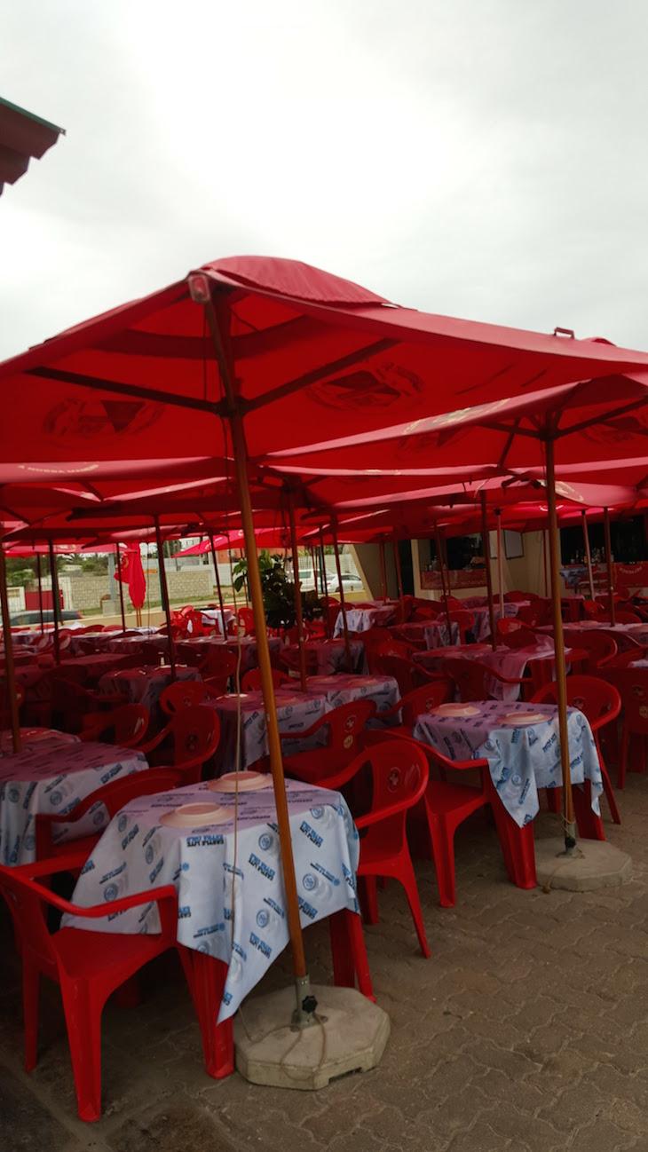 Esplanadas do Mercado do Peixe, Maputo © Viaje Comigo