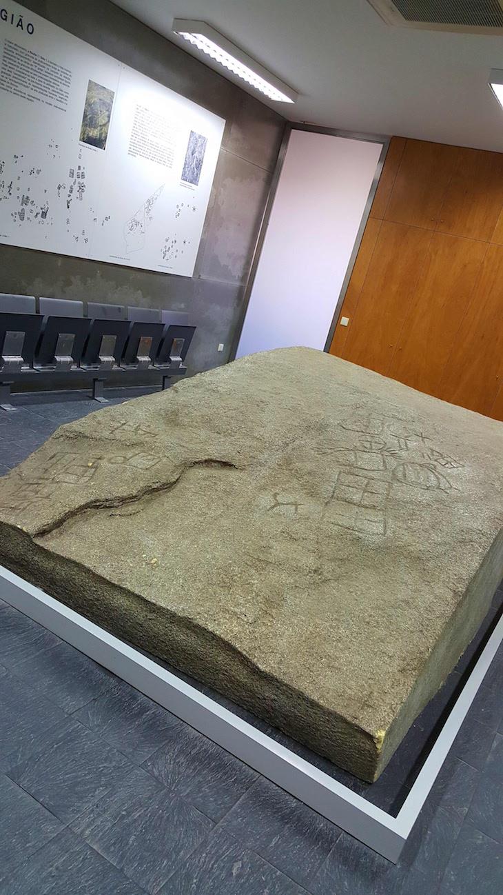 Núcleo arqueológico da Porta do Mezio © Viaje Comigo