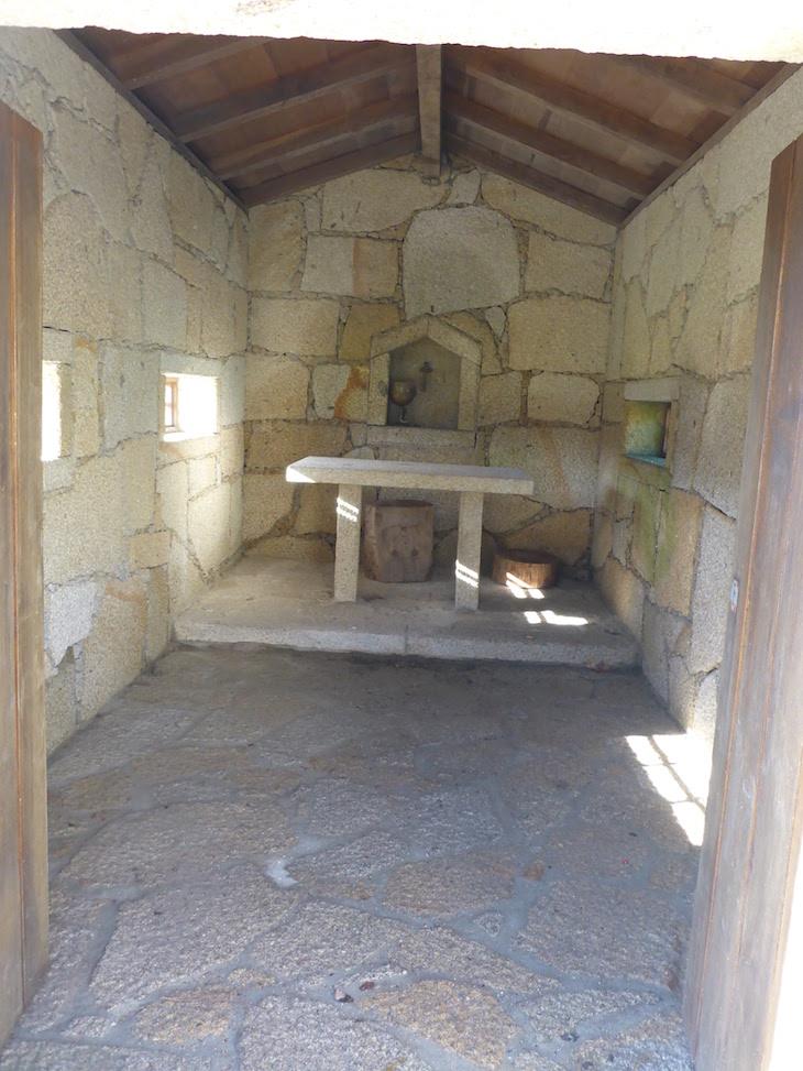 Igreja da Pequena aldeia da Porta do Mezio - Arcos de Valdevez © Viaje Comigo