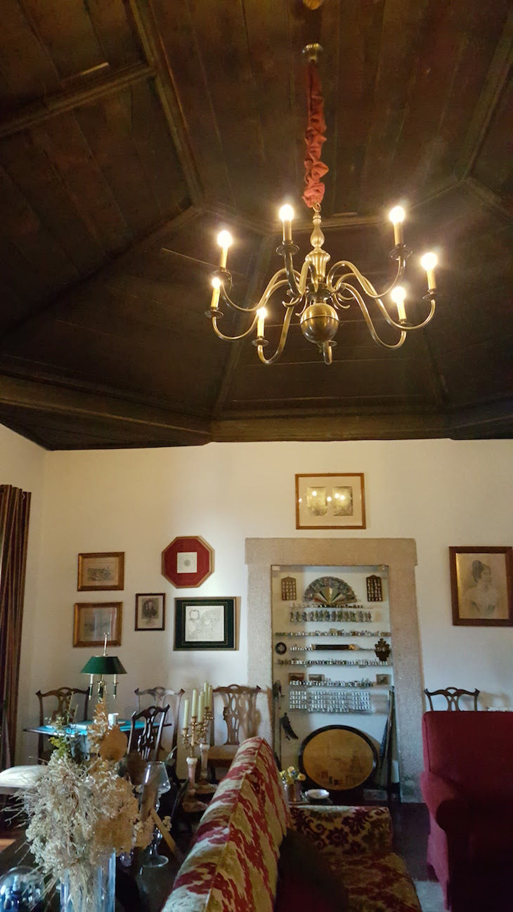 Teto original na sala do Solar do Morgado Oliveira - Macedo de Cavaleiros © Viaje Comigo