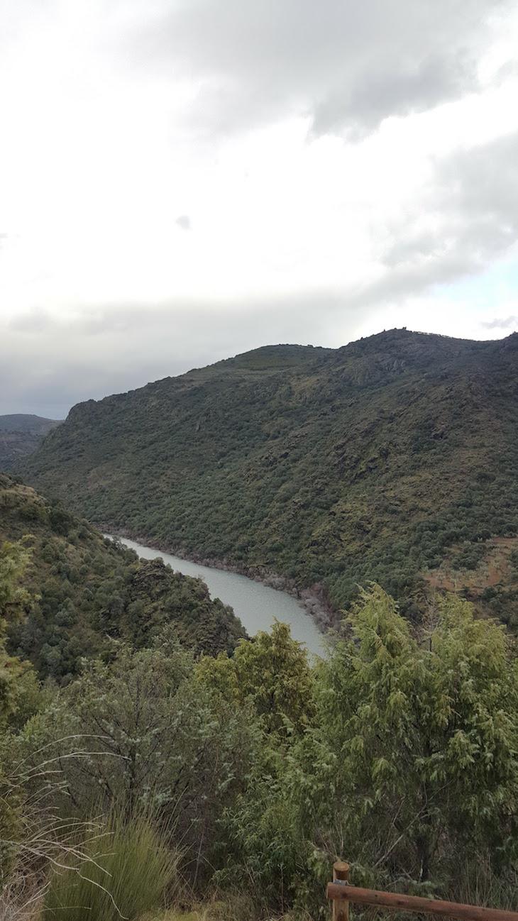 Descontinuidades - Geopark Terras de Cavaleiros - Macedo de Cavaleiros © Viaje Comigo