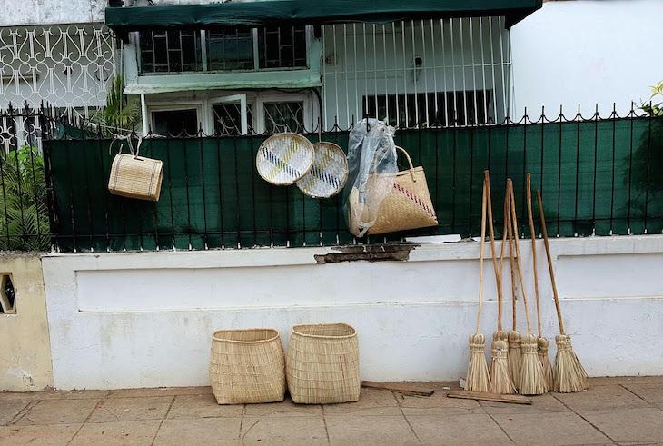 Cestas nas ruas em Maputo © Viaje Comigo