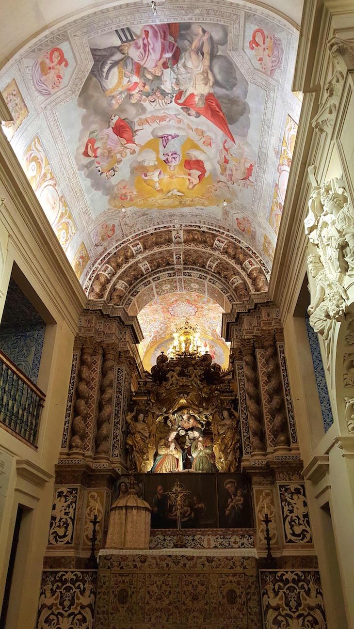 Altar da Capela Nossa Senhora da Penha de França, Vista Alegre © Viaje Comigo
