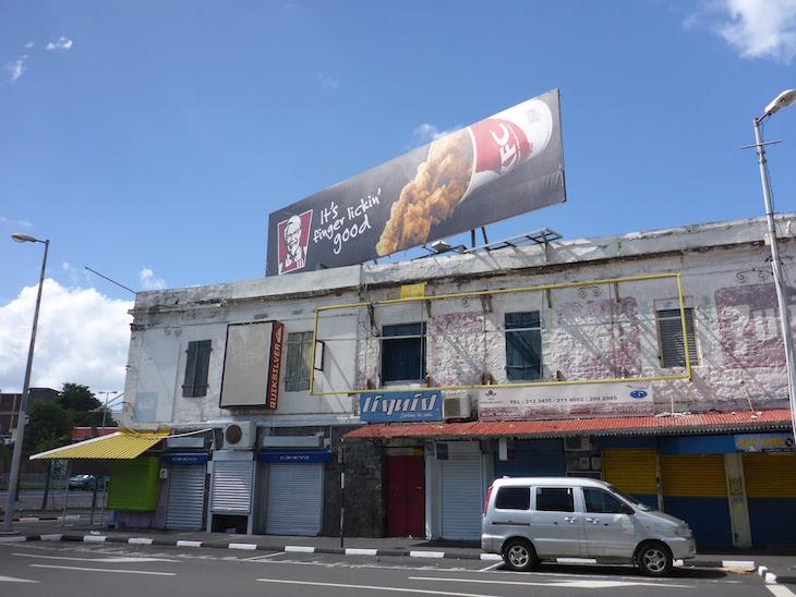 Contrastes em Port Louis - Ilhas Maurícias © Viaje ComigoContrastes em Port Louis - Ilhas Maurícias © Viaje Comigo