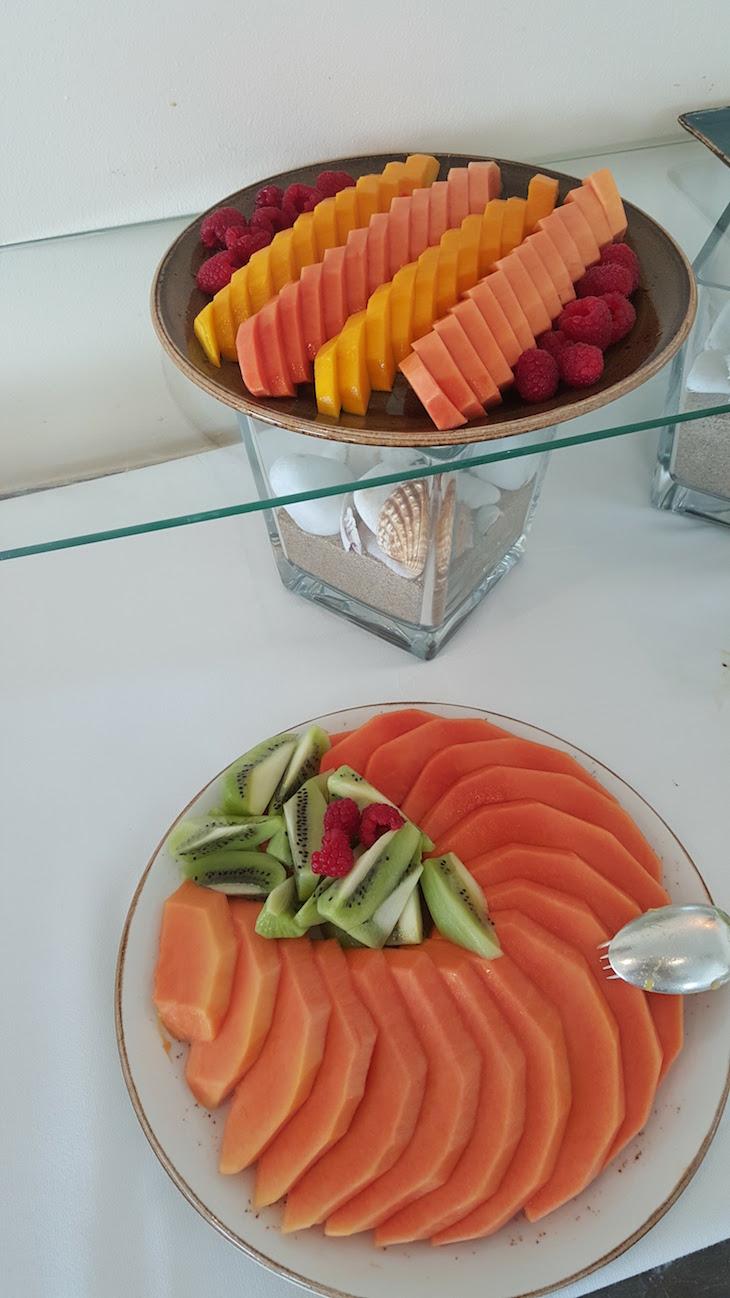 Fruta no pequeno-almoço da Fortaleza do Guincho © Viaje Comigo