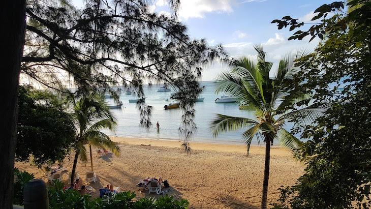 Praia no Coin de Mire Attitude Hotel, Ilha Maurícia © Viaje Comigo