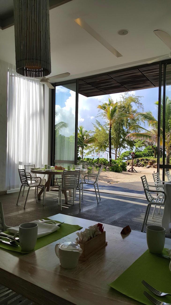 Sala do pequeno-almoço do Long Beach Golf & Spa Resort - Ilhas Maurícias © Viaje Comigo