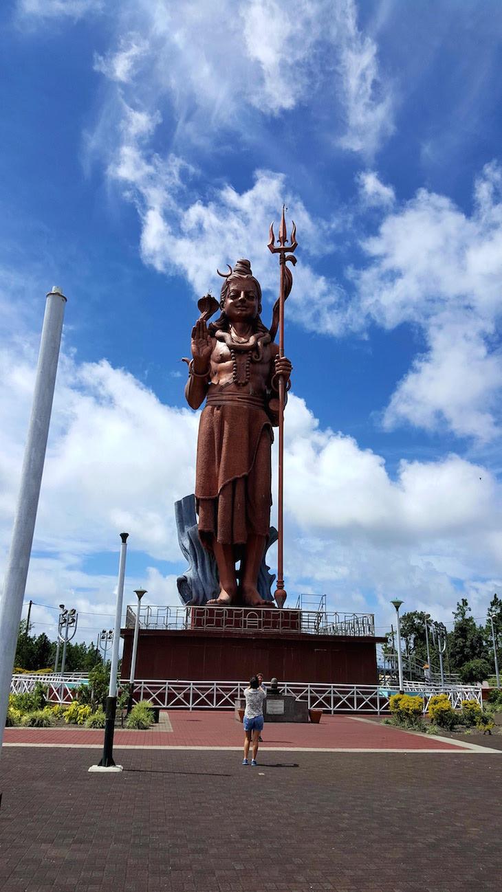 Estátua de Shiva - Ilhas Maurícias © Viaje Comigo