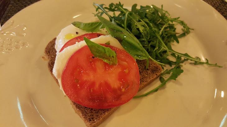 Tosta fria - Brunch no Holiday Inn Porto Gaia @ Viaje Comigo