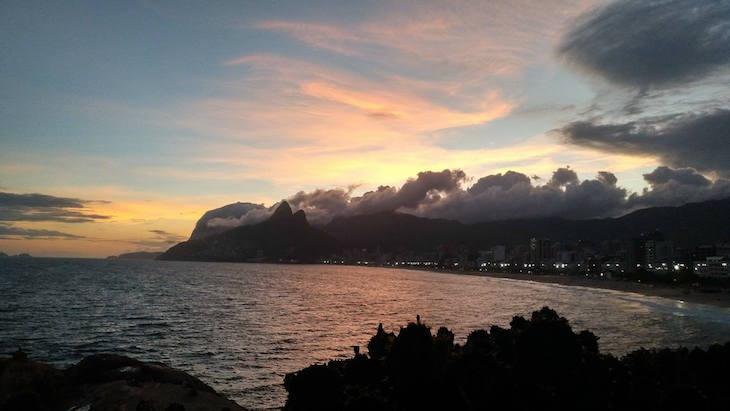 Pôr do sol no Arpoador, Rio de Janeiro, Brasil © Viaje Comigo