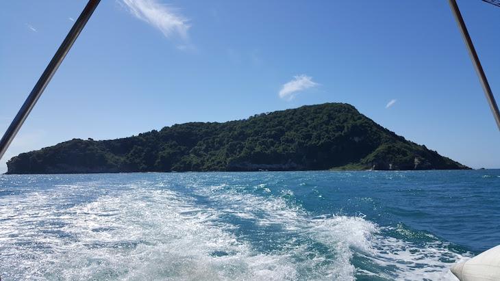 Ilha Feia - Passeio no Libertas, em Armação dos Búzios, Brasil © Viaje Comigo