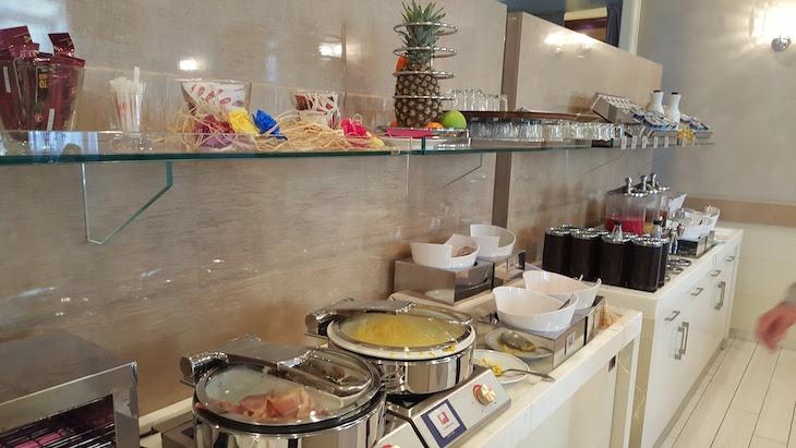 Pequeno-almoço do Leonardo Hotel Milan City Center, Milão, Itália © Viaje Comigo