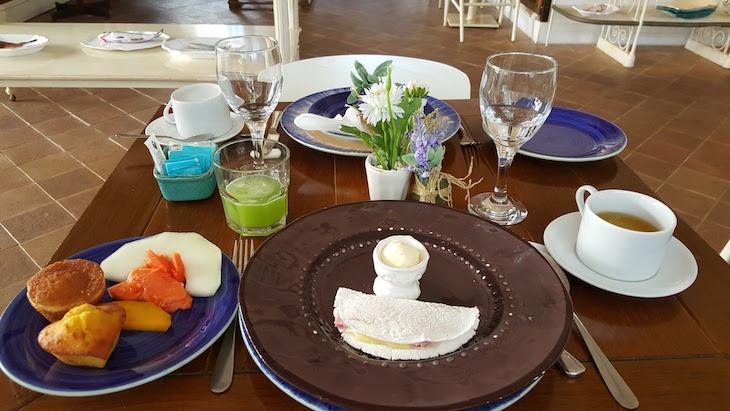 Pequeno-almoço no Vila da Santa Hotel Boutique & Spa - Armação dos Búzios © Viaje Comigo