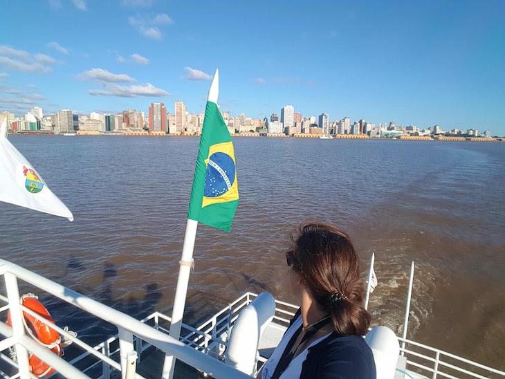 Barco Cisne Branco - Porto Alegre - Brasil © Viaje Comigo