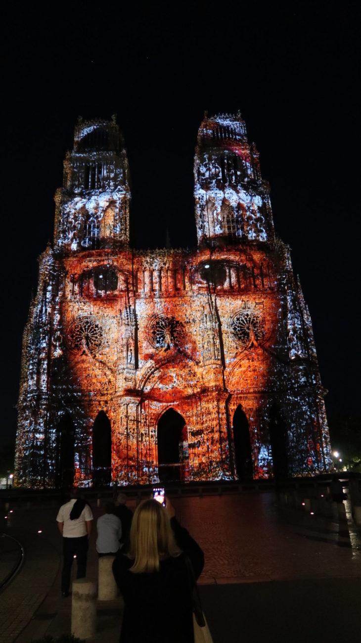 Foto com Canon PowerShot G7 X Mark II - Catedral de Tours à noite - França © Viaje Comigo