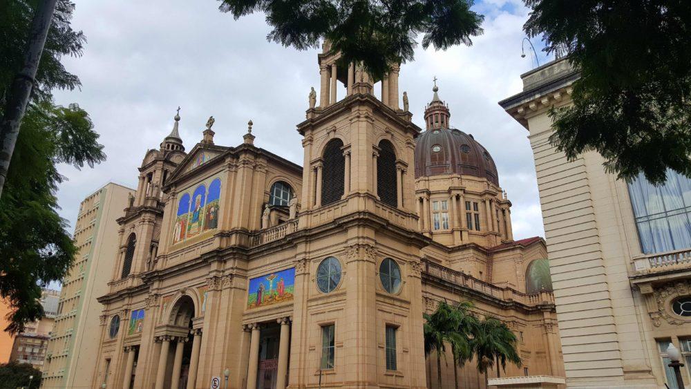 Catedral Metropolitana de Porto Alegre - Rio Grande do Sul - Brasil © Viaje Comigo