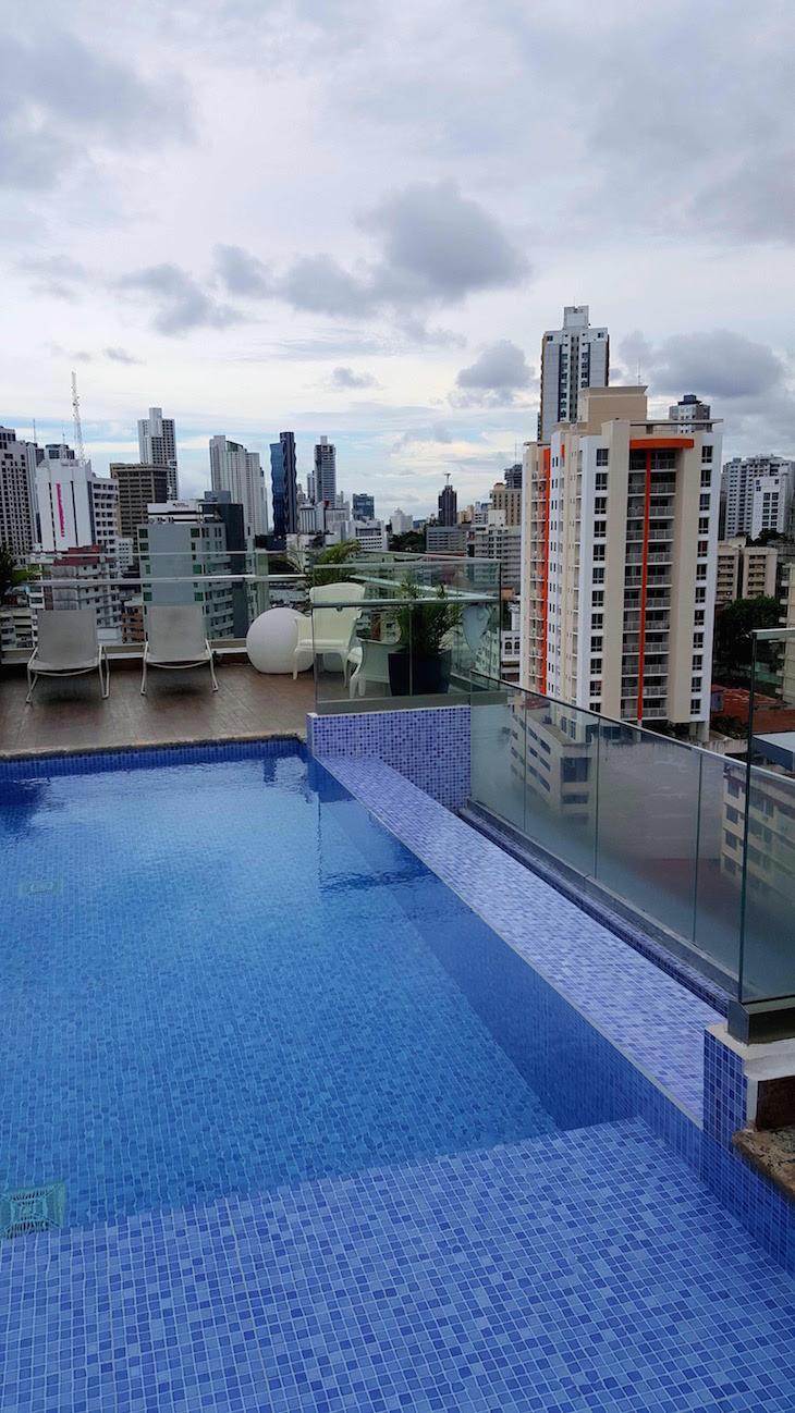 Piscina do Best Western Plus Panama Zen Hotel, Cidade do Panamá © Viaje Comigo