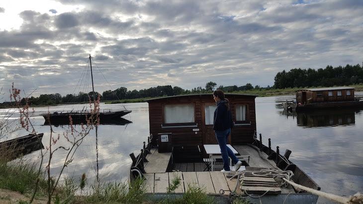 Barco-casa no Loire - França © Viaje Comigo