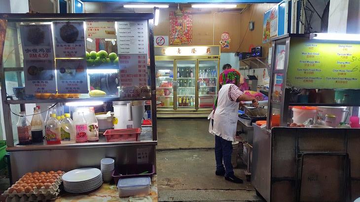 Restaurante com prolongamento para a rua - George Town - Penang - Malásia © Viaje Comigo