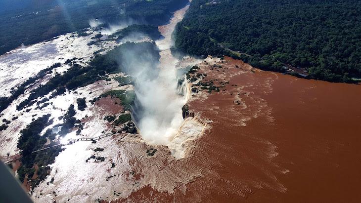Garganta do Diabo - Cataratas do Iguaçu - Brasil © Viaje Comigo