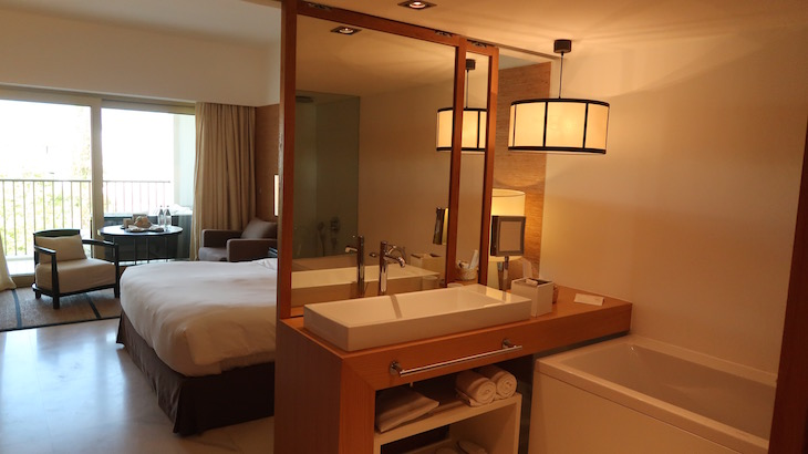 Casa de banho no Anantara Vilamoura Algarve Resort © Viaje Comigo