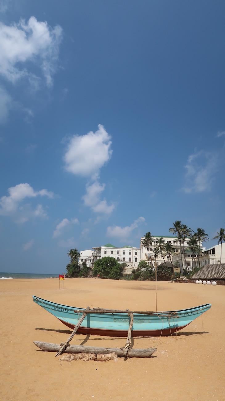 Praia junto do Mount Lavinia Hotel, Sri Lanka © Viaje Comigo
