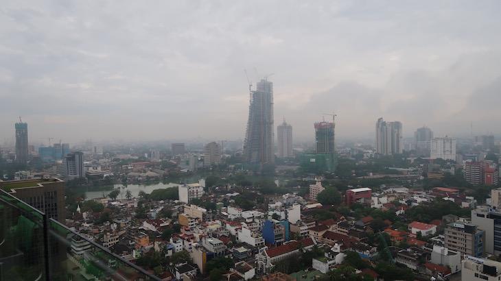 Vista do topo do Movenpick Hotel Colombo, Sri Lanka © Viaje Comigo