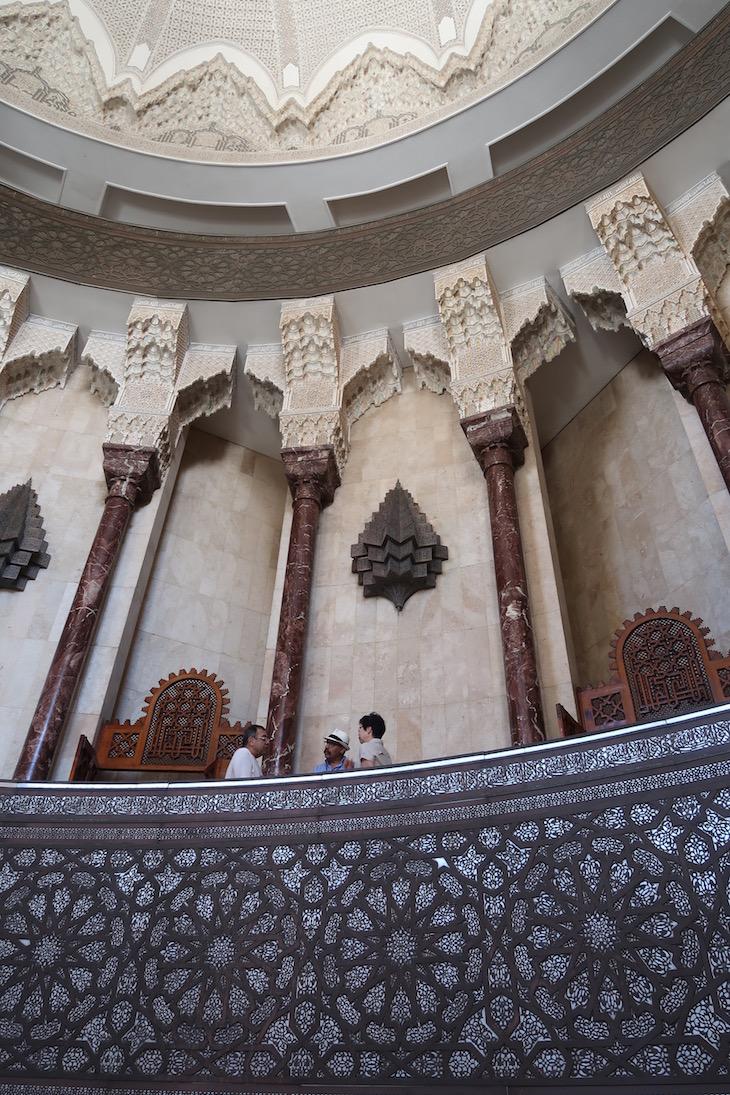 Dentro da Mesquita Hassan II, Casablanca. Marrocos © Viaje Comigo