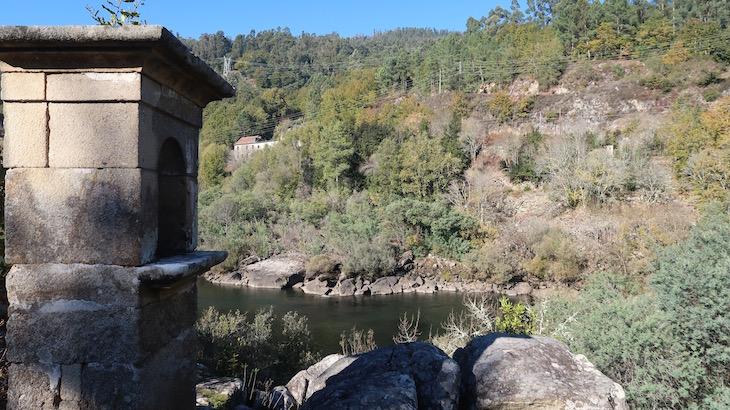 Alminhas do lado espanhol - Caminhada em Cevide - Portugal © Viaje Comigo