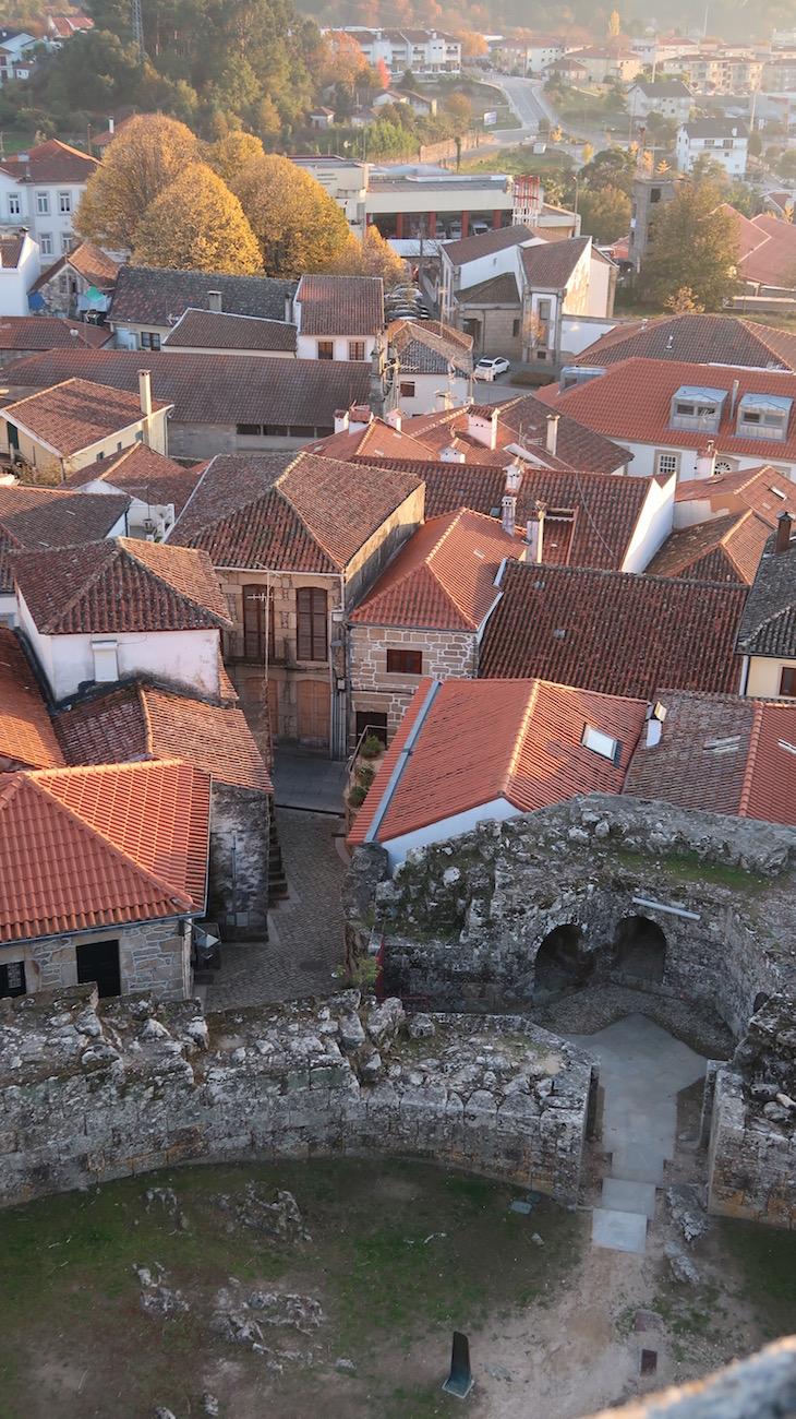 Entrada oeste do Castelo de Melgaço - Portugal © Viaje Comigo