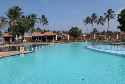 Maior piscina do Sri Lanka no Club Hotel Dolphin - Sri Lanka © Viaje Comigo