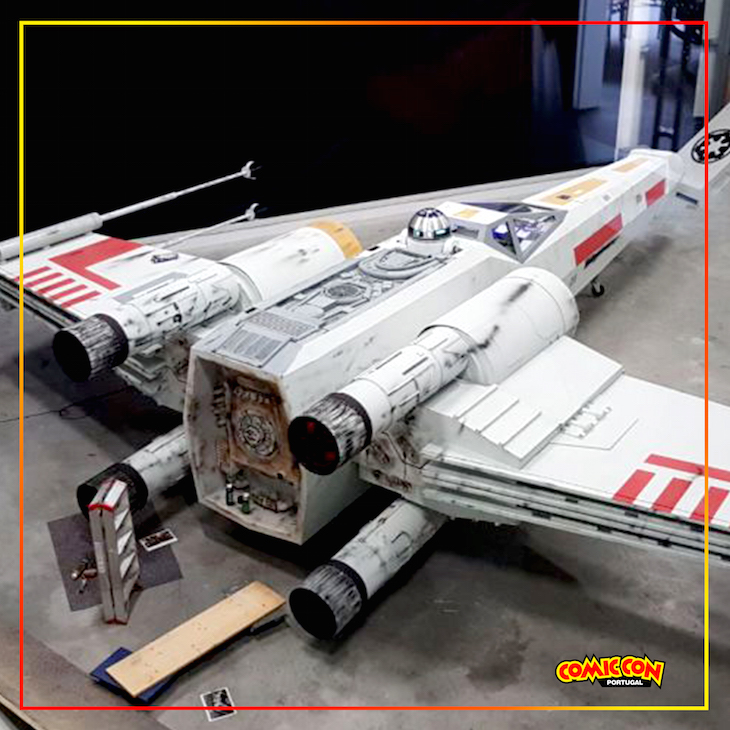 Nave T-65 X-WING - Star Wars © DR