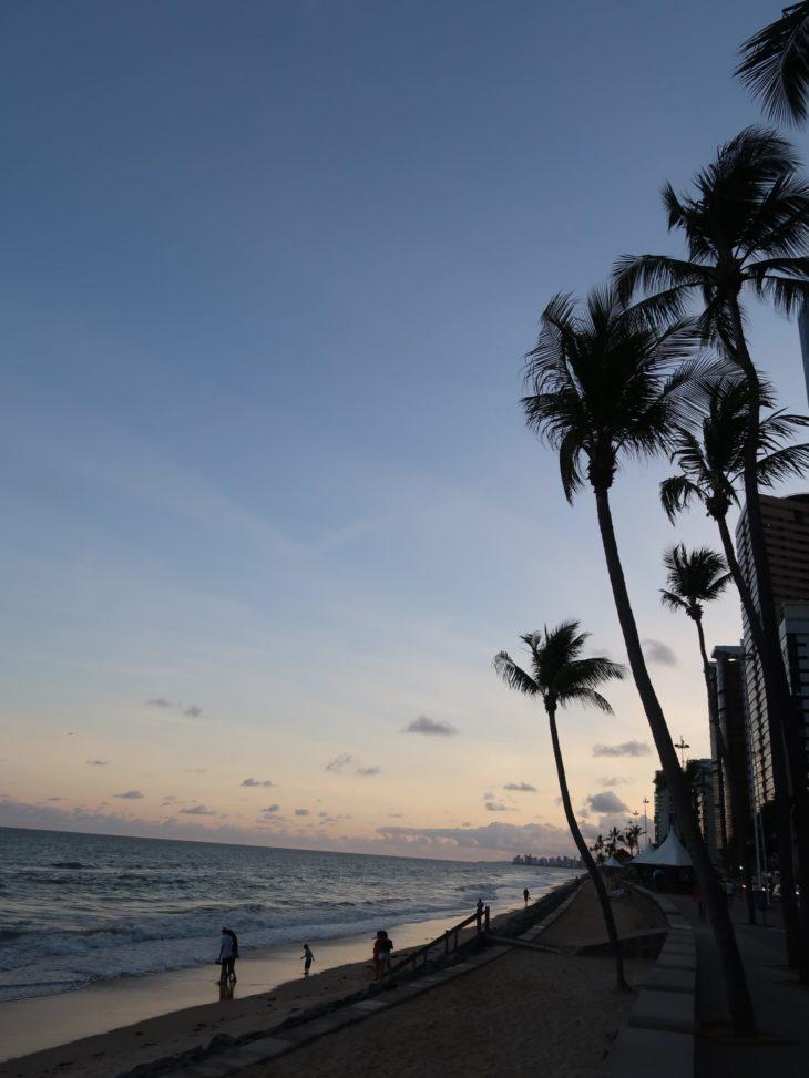 Pôr do sol na Praia de Boa Viagem - Recife - Brasil © Viaje Comigo