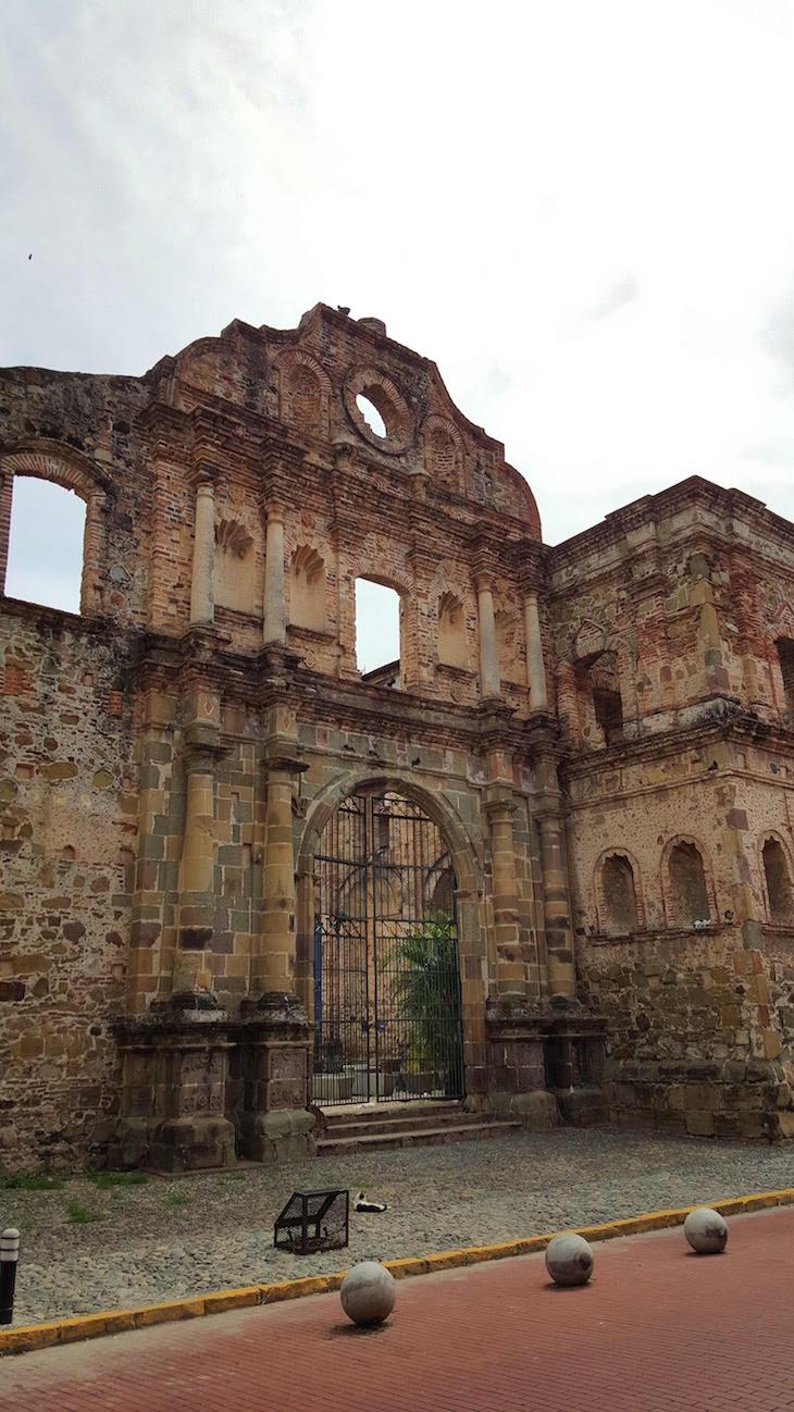 Convento Sto Domingo - Centro Histórico - Cidade do Panamá © Viaje Comigo