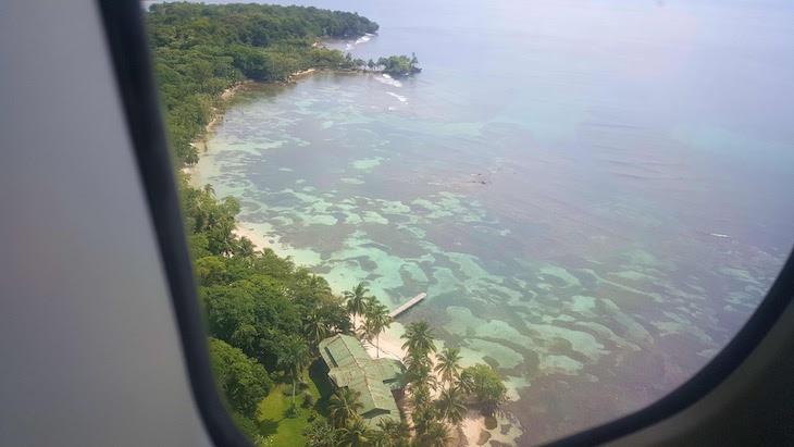 Bocas del Toro - vista do avião - Panamá © Viaje Comigo