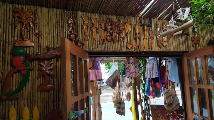 Loja de artesanato - Isla Colon - Bocas del Toro, Panamá © Viaje Comigo