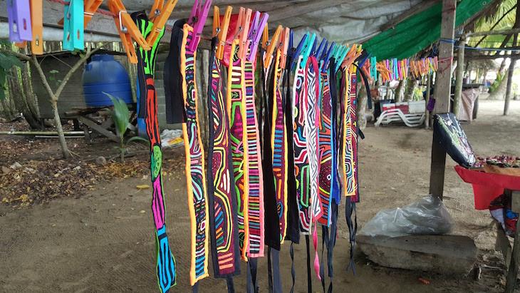 O que comprar: Fitas com molas - Isla Colon - Bocas del Toro, Panamá © Viaje Comigo