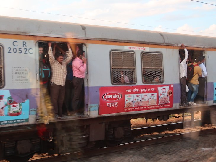 Vista de outros comboios - Deccan Odyssey - Índia © Viaje Comigo
