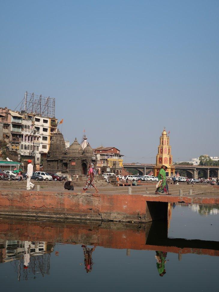 Margens do rio Godavari - Nashik -Maharashtra- India © Viaje Comigo