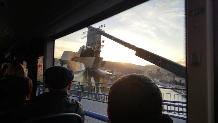 Autocarro que vai do aeroporto para o centro de Bilbau © Viaje Comigo