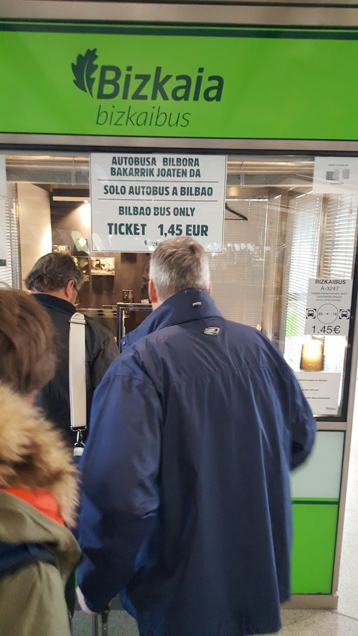Onde comprar os bilhetes no aeroporto de Bilbau © Viaje Comigo